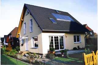 neubau liaplan massivhaus einfamilienhaus mit solaranlage f r die warmwasserbereitung. Black Bedroom Furniture Sets. Home Design Ideas